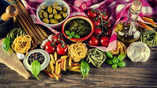 10-Easy-Mediterranean-Diet-Swaps-01-722x406